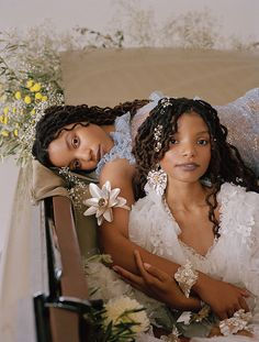 Chloe and Halle Source by aphrochic idea black girl Black Girls Rock, Black Girl Magic, White Girls, Pretty People, Beautiful People, Beautiful Children, Chloe Halle, Photographie Portrait Inspiration, Fashion Magazin