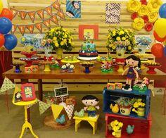 Bommm diaaaa..com a Luna e seus amigos comemorando os 3 aninhos da linda Flávia Beatriz!!! Decoração e guloseimas em scrap: João e Maria Festas/Bolo: @marciafreire_ /Cupcakes, pirulitos e pop cakes: @docuras_dagabi / Docinhos tradicionais: @desejosgourmet / Doces finos: @gemmagalganny / balões: @aquabaloes . #joaoemariafestas #festashowdaluna #flaviabeatrizfaz3