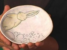 How to Make an Illustrated Ceramic Bowl : Decorating : Home & Garden Television
