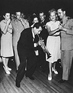 Louis Prima serenades some dancers c.1940s
