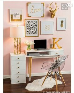 Gorgeous #modern #chic #homeoffice Pink Walls, White Gold Bedroom, Blush Bedroom Decor, Pink Bedroom Walls, Blush Pink Bedroom, Bedroom Ideas Rose Gold, Gold Bedroom Accents, Black White And Gold Bedroom, White And Gold Decor
