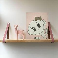 🤍Toys Again 🤍 Uniek handgeschilderd schilderij op een houten paneel. Bij onze schilderijen kun je geheel gratis zelf bepalen welke voor- en achtergrondkleur je wilt. Maak een keuze uit ons kleurenpalet zodat de schilderijen mooi bij jouw interieur passen.🤎🤎 Alles wordt gratis geleverd! Everything