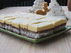 Kokos mi je jedan od omiljenih sastojaka u kolačima. Ovaj kolač nam se mnogo dopao.      Potrebno je:  250 gr brašna  125 gr putera ili mar...