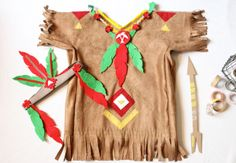 Un costume d'indien! Costume Garçon, Costume Carnaval, Dress Up Costumes, Boy Costumes, Indian Diy, Indian Party, Diy Dress, Fancy Dress, Costume Original