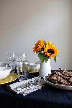 Aamukahvilla - Koti, Table Settings, Table Decorations, Home Decor, Decoration Home, Room Decor, Place Settings, Home Interior Design, Dinner Table Decorations