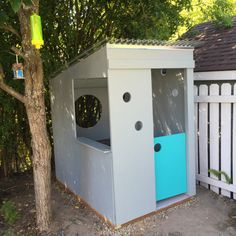 A modern playhouse filled with light. Designed and built by one handy mom! Modern Playhouse, Build A Playhouse, Outdoor Fun, Outdoor Decor, Play Houses, New Homes, Backyard, Crafty, Building