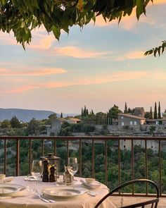 Nature Aesthetic, Travel Aesthetic, Adventure Aesthetic, Beige Aesthetic, Places To Travel, Places To Visit, Northern Italy, Wanderlust Travel, Belle Photo