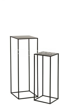 High side tables black industrial metal harnesses J-Line Living Room Colors, Living Room Decor, Industrial Living, Industrial Metal, Table Haute, Black Side Table, Vintage Chairs, Blue Walls, Black Metal