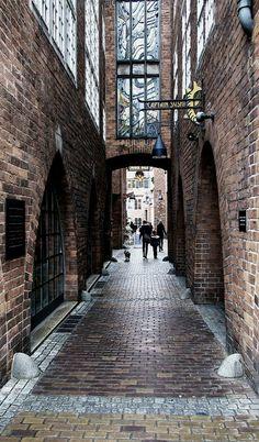 Bremen, Germany (by Einsiedler. on Flickr)