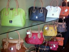 I MEDICI Purses @ Florence shop! To place order please call (210)-497-4000.