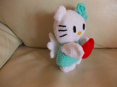 L'uncinetto di Simo e Isa: Hello Kitty angelo