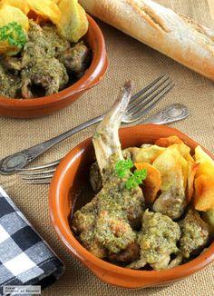 Te enseñamos a preparar de manera sencilla la receta tradicional de conejo en salsa verde. Ingredientes, tiempos de elaboración y pasos para que te salga bie...