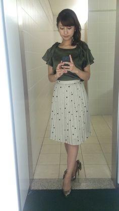 日曜日|酒井千佳オフィシャルブログ「ゆるり日和」Powered by Ameba Fashion Tv, Office Fashion, Womens Fashion, Waist Skirt, High Waisted Skirt, Asian Style, Japan, Lady, Skirts