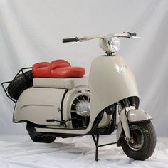 1957 Walba-DeLuxe (German) 197cc Single-Cylinder Two-Stroke Air-Cooled 9.6Hp Engine