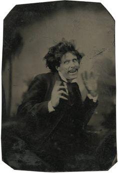 Au secours!!! aux alentours de 1870-79, [tintype portrait d'un pantomime]  via the Metropolitan Museum of Art, Photographs Collection