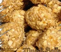 Recipe Muesli Balls by laurenmckinnon, learn to make this recipe easily in your kitchen machine and discover other Thermomix recipes in Baking - sweet. New Recipes, Sweet Recipes, Snack Recipes, Cooking Recipes, Recipies, Bellini Recipe, Balls Recipe, Muesli, Healthy Cooking