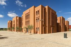 Ricardo Bofill won the contest for construction of Université Mohammed VI Polytechnique in the masterplan for the foundation of Mohammed VI Green City in Ben Guerir, Morocco. The heart of a wider-ranging urban planning project, Université Mohammed VI combines traditional constructions with modernity. #Architecture #Design