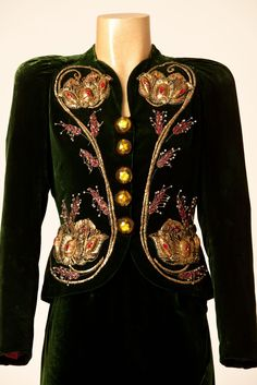 1938 Bug jacket and dress by Schiaparelli, London. Courtesy Fashion Museum, Bath & North East Somerset Council.