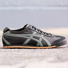 Onitsuka Tiger Mexico 66: Black/Grey/Gold