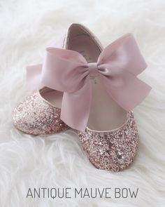 ROSE GOLD Rock glitter mary-jane with - Mauve wedding ribbon bow - Flower girls shoes, girls glitter shoes, rose gold wedding Flower Girl Shoes, Baby Girl Shoes, Girls Shoes, Flower Girl Dresses, Flower Girls, Sparkly Wedding Shoes, Mauve Wedding, Wedding Bows, Bridal Shoes