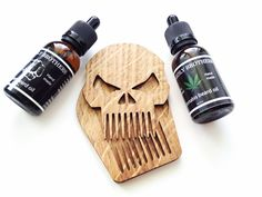 Beard comb Scull with wooden case by #BeardlyBrothers👊 Price 14,99$