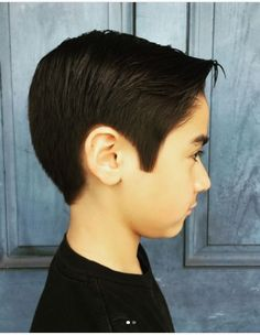 This hairstyle suits those with fine hair as the locks on the top are kept longer and swept to a side with nicely shaved undercut to complete the look. Baby Girl Haircuts, Trendy Boys Haircuts, Boys Haircut Styles, Pictures Of Short Haircuts, Boy Haircuts Short, Little Boy Hairstyles, Latest Short Hairstyles, Haircuts With Bangs, Trending Hairstyles