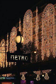I so want to go back to Paris! Galeries Lafayette and Metro, Paris, France Paris France, Oh Paris, I Love Paris, Paris Style, Paris City, Christmas In Paris, Christmas Lights, Christmas Time, Holiday Lights