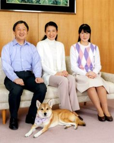 (L-R) Crown Prince Naruhito, Crown Princess Masako, their daughter Princess Aiko and their royal dog Yuri
