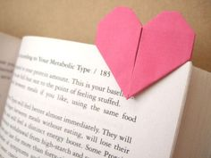 oh how cute! an #origami #heart #bookmark that slides onto your page :D love it!
