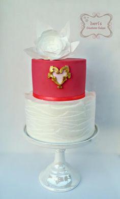 Valentines Day Love - Cake by Lori Mahoney (Lori's Custom Cakes)