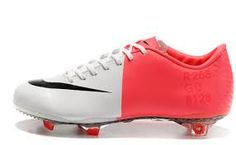 Kuvahaun tulos haulle nike mercurial vapor pink and white size 36 Cleats, Nike, Sports, Fashion, Football Boots, Hs Sports, Moda, Cleats Shoes, Fashion Styles