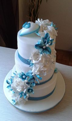 Luxusná svadobná torta s prstienkami. Autorka: 4habka -  Tortyodmamy.sk