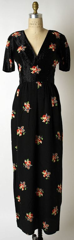 Evening dress by Chloé. 1970-1975.