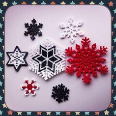 Snowflakes Hama perler beads by Beatriz Sales Almazán