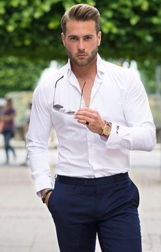 Pin by gaurav ashok on gaurav in 2019 männer outfit, herren outfit, mode fü Trendy Mens Fashion, Mens Fashion Suits, Stylish Men, Men Casual, Casual Attire, Casual Outfits, Casual Look For Men, Casual Summer, Summer Haircuts