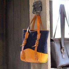 【キャンバストートバッグ】 インディゴブルーのキャンバス生地にキャメルのヌメ革で制作したトートバッグ  いろんな配色で作りたいなー  #バッグ #トートバッグ #キャンバス #帆布 #キャンバストート #レザートート #ginkawaya #銀革屋