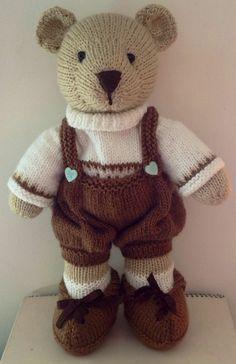 Me encanta Knitting Bear, Teddy Bear Knitting Pattern, Animal Knitting Patterns, Crochet Teddy, Christmas Knitting Patterns, Free Knitting, Crochet Toys, Knit Crochet, Knitting Dolls Clothes