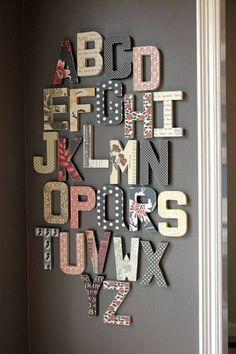 Leuk alfabet voor in de kinderkamer aan de muur.