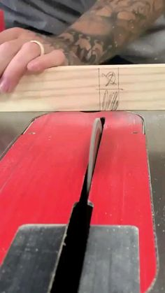 Reclaimed Wood Projects, Small Wood Projects, Diy Projects, Wood Slice Crafts, Wooden Crafts, Woodworking Techniques, Easy Woodworking Projects, Morning Wood, Wooden Words