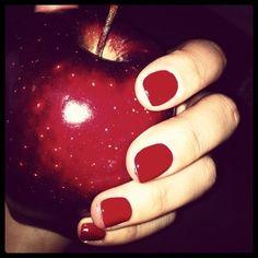 rojo red manzana apple nail polish miraquechulo