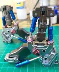 Iron Man Hand, Gundam Tutorial, Iron Man Cosplay, Sience Fiction, Batman Armor, Iron Man Wallpaper, Robots Characters, Iron Man Armor, Gundam Custom Build