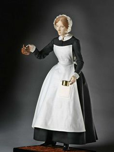 About Florence Nightingale, The Lady with the Lamp, from Historical Figures of England, a full length portrait by artist and historian George Stuart. Florence Nightingale, Mary Stewart, Doll Museum, School Costume, Crimean War, 1800s Fashion, Victorian Fashion, Kaiser, England