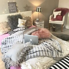 Contemporary interior design – More Interior Trends To Not Miss. 54 Affordable Home Decor Ideas To Make Your Home Look Outstanding – Contemporary interior design – More Interior Trends To Not Miss. Dream Bedroom, Home Bedroom, Bedroom Makeover, Bedroom Design, Room Inspiration, Interior Design, Home Decor, Room Decor, Apartment Decor