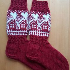 Cotton socks and leggings for in-laws :) - Super knitting Knitting Videos, Knitting Charts, Knitting Socks, Knitting Patterns, Wool Socks, Cotton Socks, Diy Crochet And Knitting, Fair Isle Knitting, Christmas Knitting