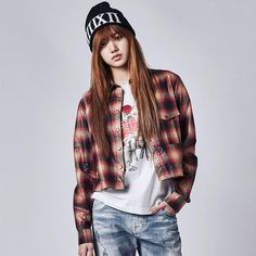 The group will consist of 4 members, Jennie, Lisa, Jisoo and Rose – and the group is named BLACKPINK! Check out all their teaser images in the gallery above and Blackpink Lisa, Jennie Lisa, 2ne1, South Korean Girls, Korean Girl Groups, Mamamoo, Jenny Kim, Lisa Blackpink Wallpaper, Kim Jisoo