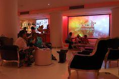 Público en Visiónica. EL HOTEL pacha, Ibiza