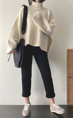 Korean Girl Fashion, Korean Street Fashion, Ulzzang Fashion, Korean Airport Fashion Women, Cute Casual Outfits, Retro Outfits, Vintage Outfits, Long Sweater Outfits, Chic Outfits