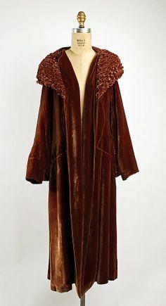 Coat   France, 1925-1935   Material: silk   The Metropolitan Museum of Art, New York