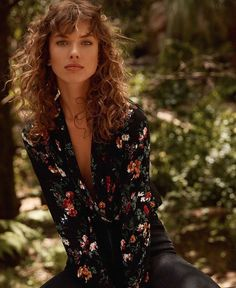Curly Hair Fringe, Curly Hair With Bangs, Curly Hair Cuts, Short Curly Hair, Wavy Hair, Curly Hair Styles, Natural Hair Styles, Hairstyles With Bangs, Pretty Hairstyles