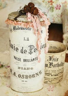 Shabby chic crafts to make tin cans 53 Ideas for 2019 Altered Tins, Altered Bottles, Altered Art, Shabby Vintage, Vintage Crafts, Tin Can Crafts, Crafts To Make, Diy Crafts, Vasos Vintage